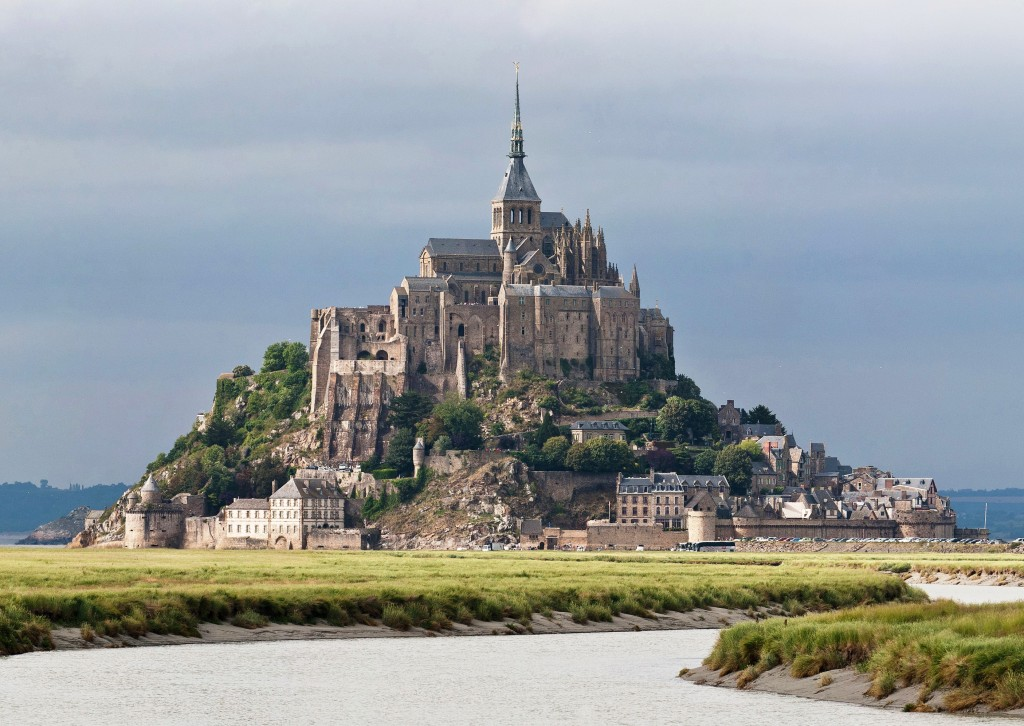 wikipedia mont saint michel